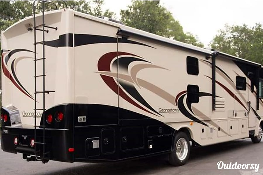 New 2018 38' Georgetown - Class A - Loaded With Luxury Acworth, GA