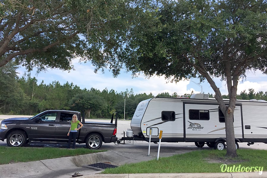 exterior 2017 Jayco Jay Flight 267BHSW 30 foot travel trailer Winter Park, FL