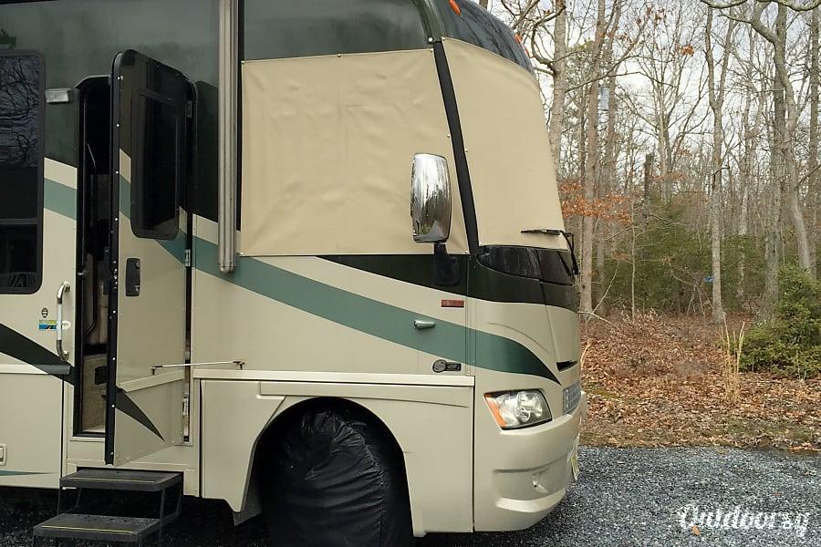 2009 Winnebago Adventurer 35A Woodbine, NJ
