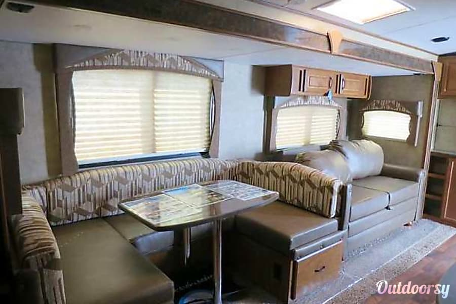 interior 2016 Outdoors Rv Manufacturing Timber Ridge DELIVERY & SETUP TO YOUR LOCATION Folsom, California