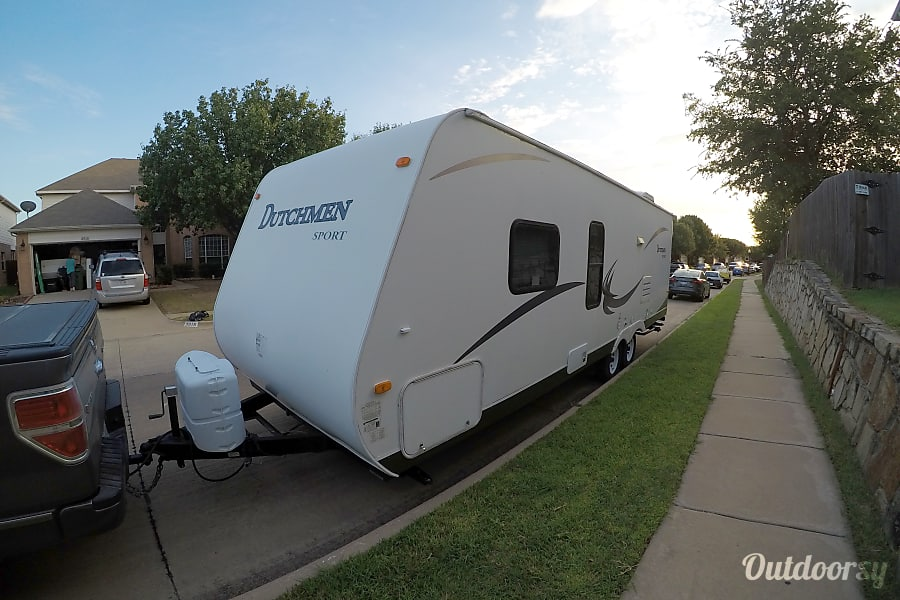 2010 Dutchmen Sport 27B Bedford, Texas Propane and 12v battery equipped.  Pass through front storage.