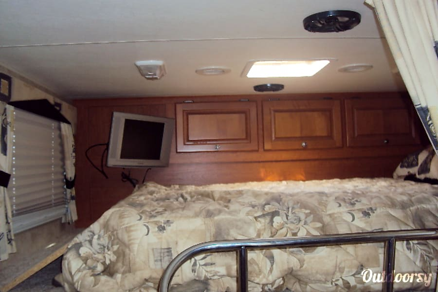 2008 Damon Outlaw Richboro, Pennsylvania Loft Bedroom with TV & Storage