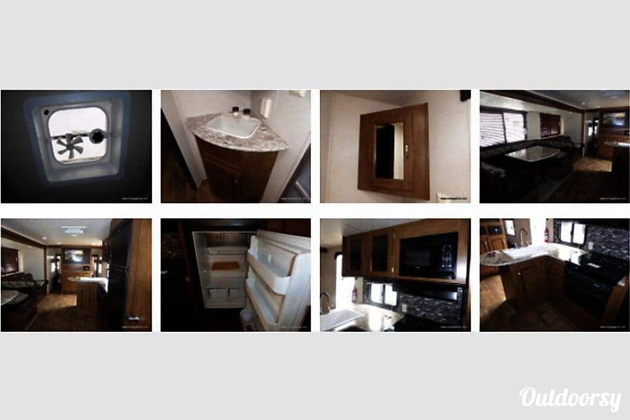 interior 2018 Forest River Wildwood X-Lite Wixom, MI