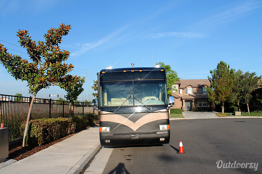 Luxury Diesel 2003 Country Coach Intrigue 40 Updated Los Angeles, California