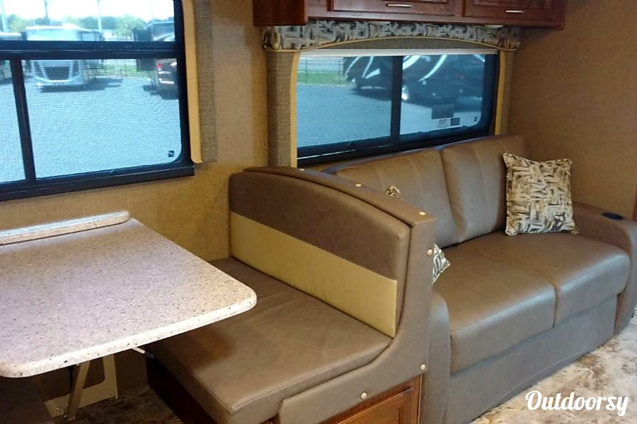interior 2020 Coachmen MIRADA 35BH Winter Garden, FL