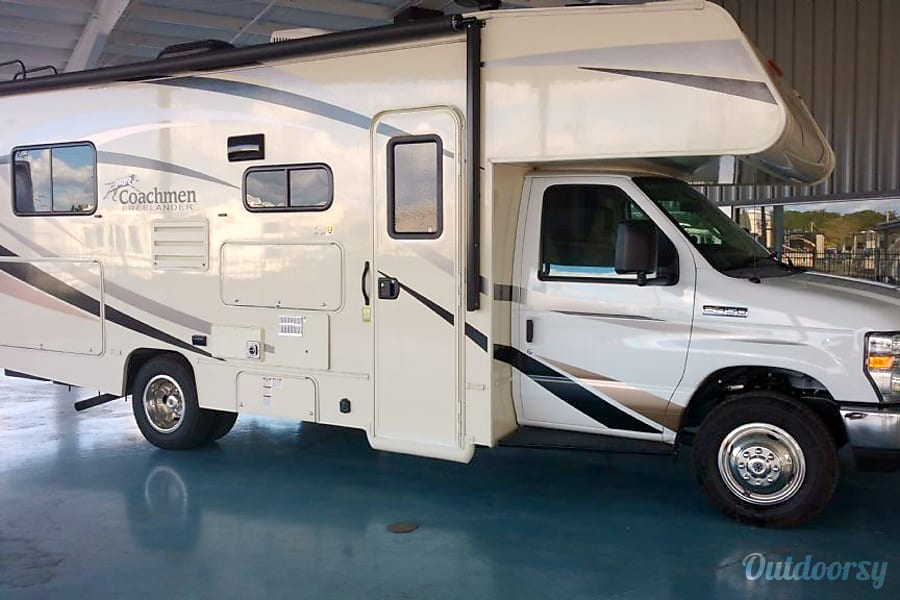 2020 Coachmen Leprechaun 220qb Motor Home Class C Rental