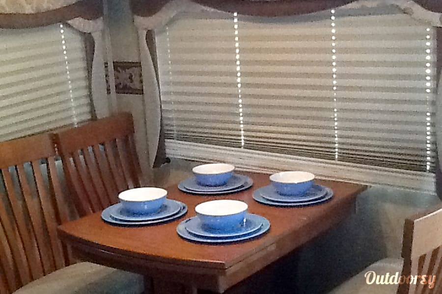 WILL DELIVER & SET UP! Madill, Oklahoma Dining area