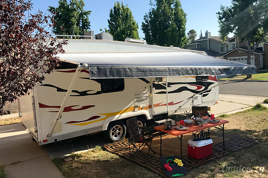 **23' Nitrous Hyperlite Travel Trailer Toy Hauler**(sleeps 10) Simi Valley, California