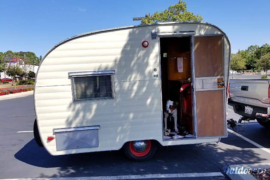 exterior 1961 Shasta Compact Orinda, California