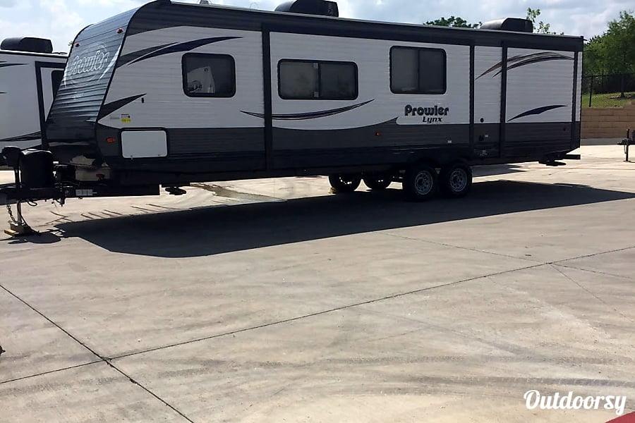 exterior 2017 Heartland Prowler Lynx San Antonio, TX