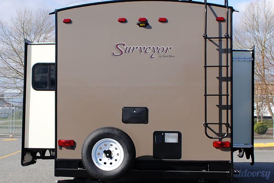 exterior 2015 SURVEYOR 285IKDS Burlington, WA