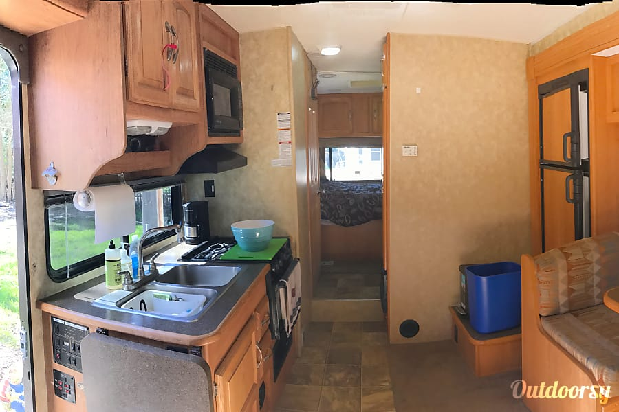 interior 2009 Coachmen Freelander Santa Rosa, CA