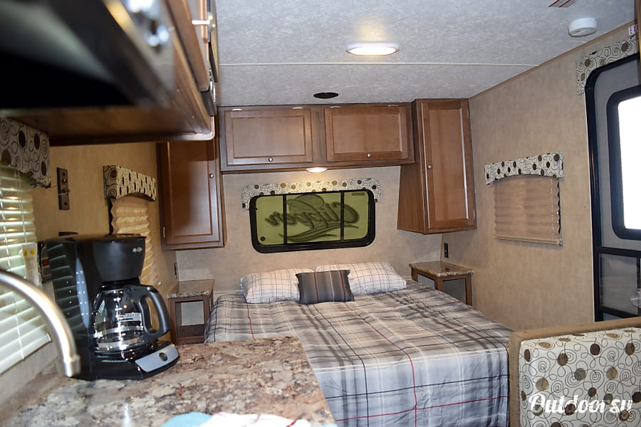"""2017 Coachmen Clipper (17') - nicknamed """"Bandera"""" Houston, TX The inside is cozy & accommodates all your needs."""