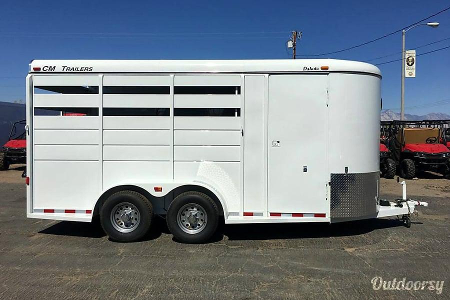 3 horse trailer Encinitas, CA