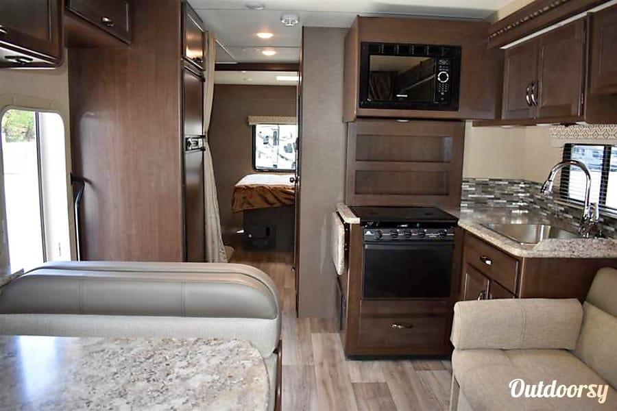 2017 Thor Motor Coach, 30' Freedom Elite, Bunkhouse O'Fallon, IL Facing the rear of the cabin, bunkhouse (slide 2) on passenger side
