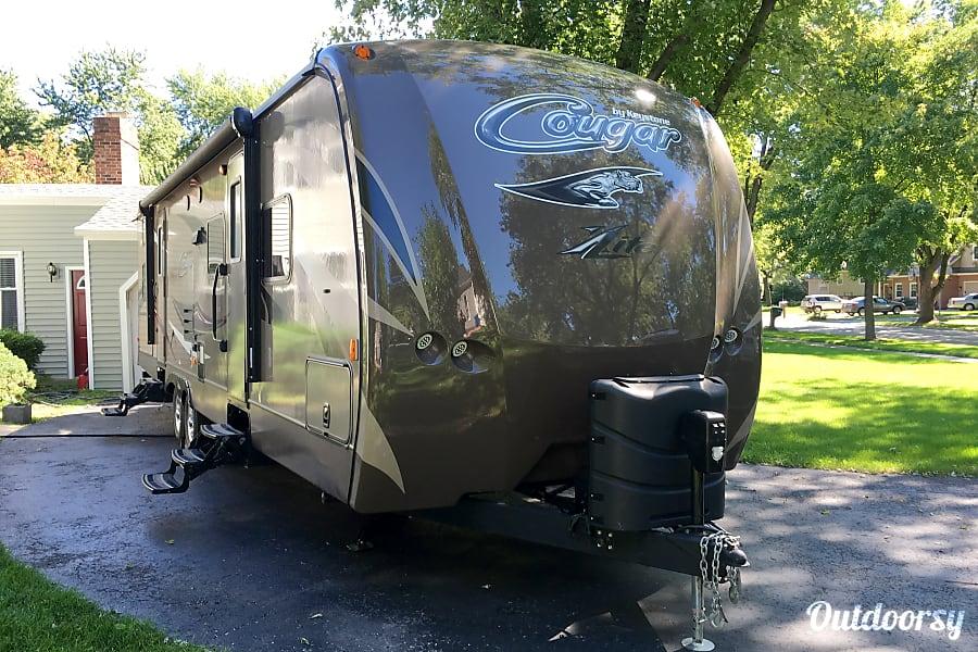 exterior 2016 Keystone Cougar Xlite Naperville, Illinois