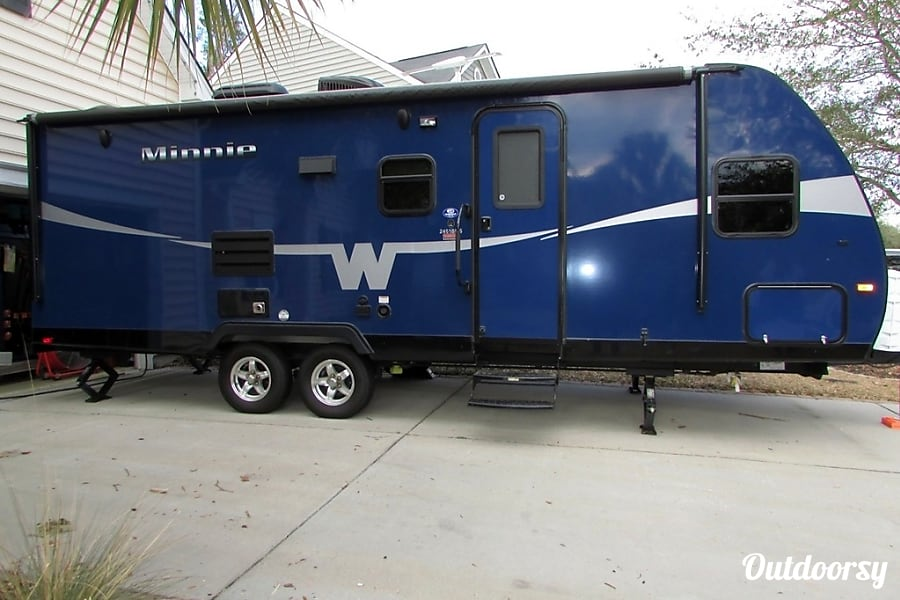 2017 Winnebago Minnie Trailer Rental In Grapevine Tx
