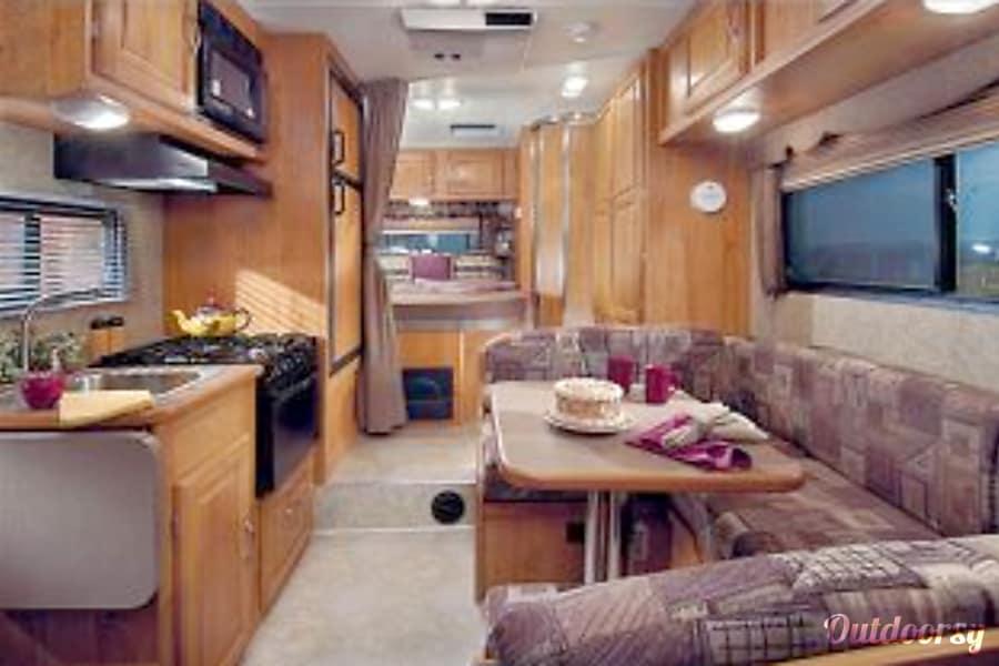 2006 Coachmen Freelander Sunrise, FL