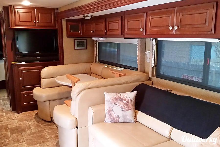 interior 2013 Thor Motor Coach Palazzo Palm Bay, Florida