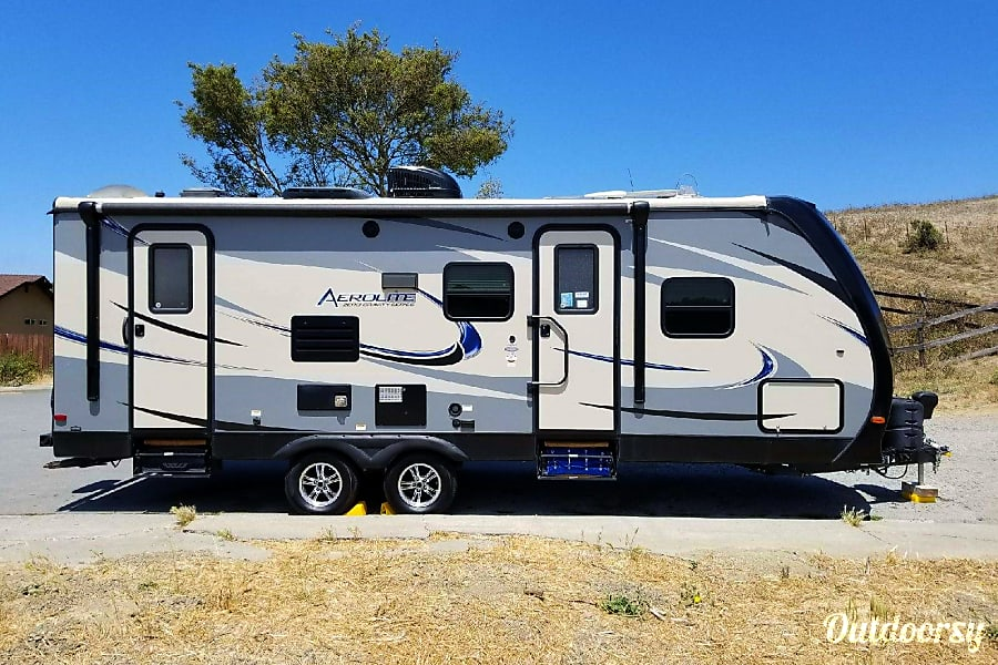exterior 2015 Aerolite 28' Travel Trailer 20th Anniversary Edition *Front Door Delivery Option!* Pinole, California