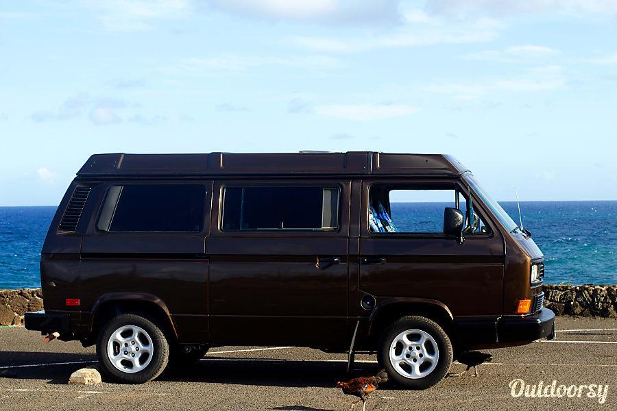 ccfe76014d29a0 1990 Volkswagen Vanagon Westfalia Motor Home Camper Van Rental in Kauai