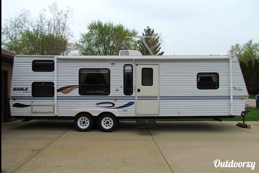 exterior 2000 Spacious Clean Jayco bunk trailer Racine, WI