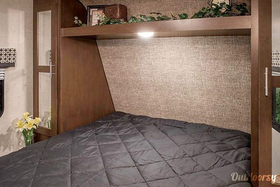 2017 KZ Sportsmen - Bunkhouse w/Generator Option San Antonio, Texas Master bedroom.