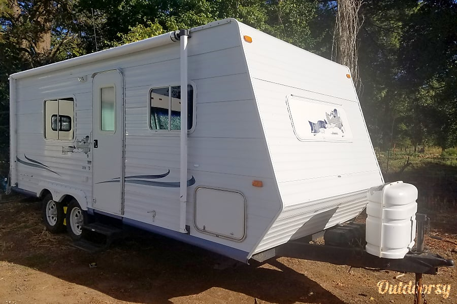 exterior Beautiful 21ft Travel Trailer , Perfect shape and Easy to pull with Anything! Hillsboro, OR