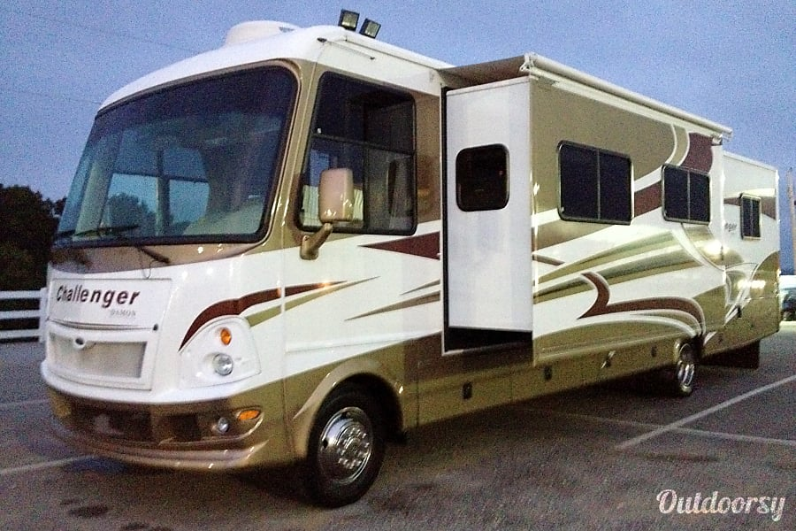 The Damon Charlotte, North Carolina Even though our RV is a 2009, you would think it is brand new.  The wood inside this RV is fantastic and it is so roomy with the three slides out.