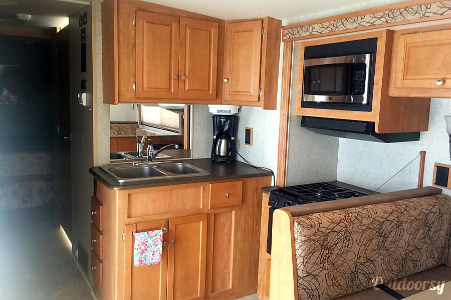 "2008 Winnebago Vista - ""Bessie"" The Sweet Family Wagon you'll fall in love with! Poquoson, VA"