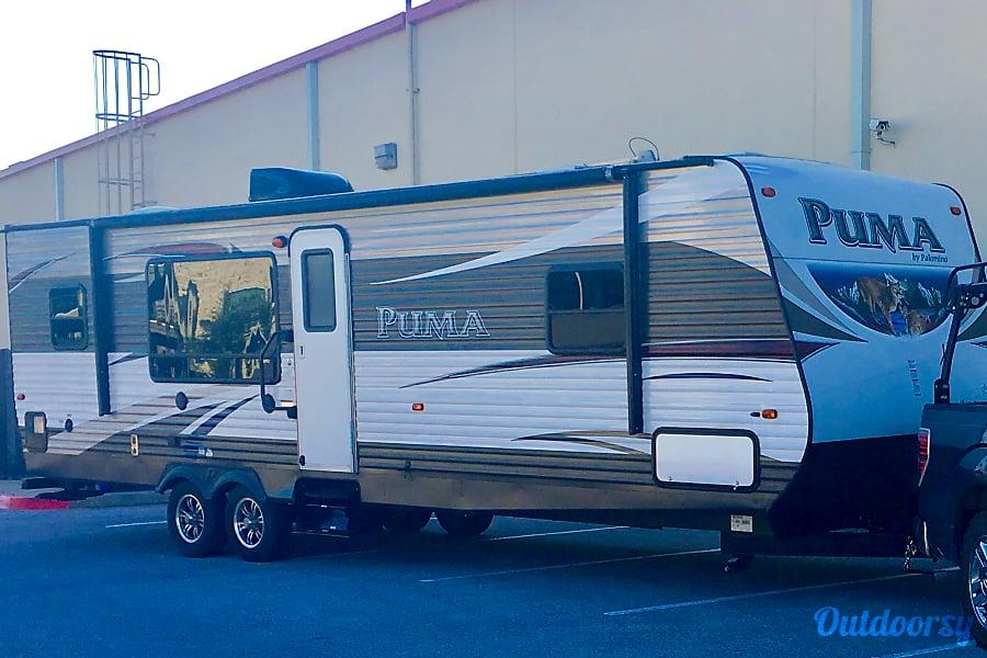 exterior 2016 Palomino Puma Round Rock, TX