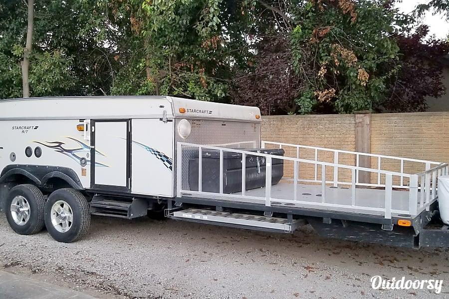 exterior 2008 Starcraft 36RT-- The ultimate toy hauler popup! Elk Grove, CA