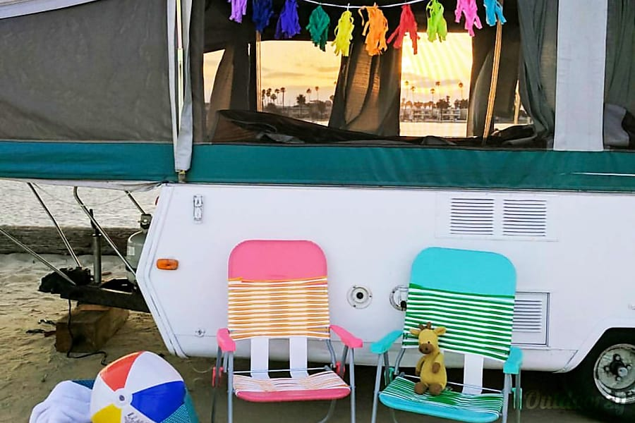 Cozy camper San Diego, CA
