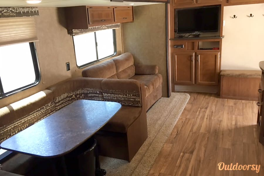 interior 2016 Jayco Jay Flight Jourdanton, TX