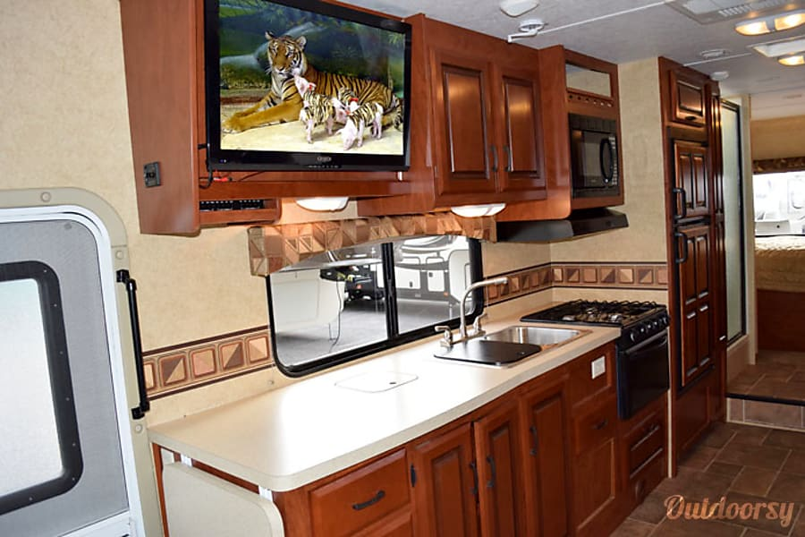 interior 2015 Forest River Sunseeker Wrightwood, CA
