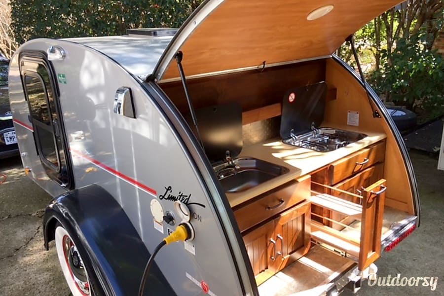 SILVER SHADOW TEARDROP - WITH HEATER AND A/C! Dallas, TX