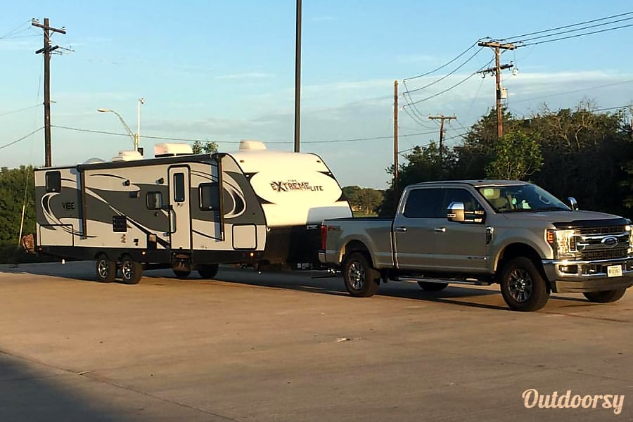 2017 Forest River Vibe!  Clean, Fun, and Low Cost! Killeen, Texas