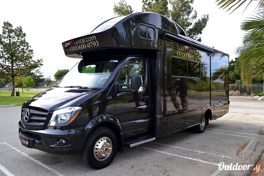 2016 Mercedes Benz Winnebago View 24j Motor Home Class C