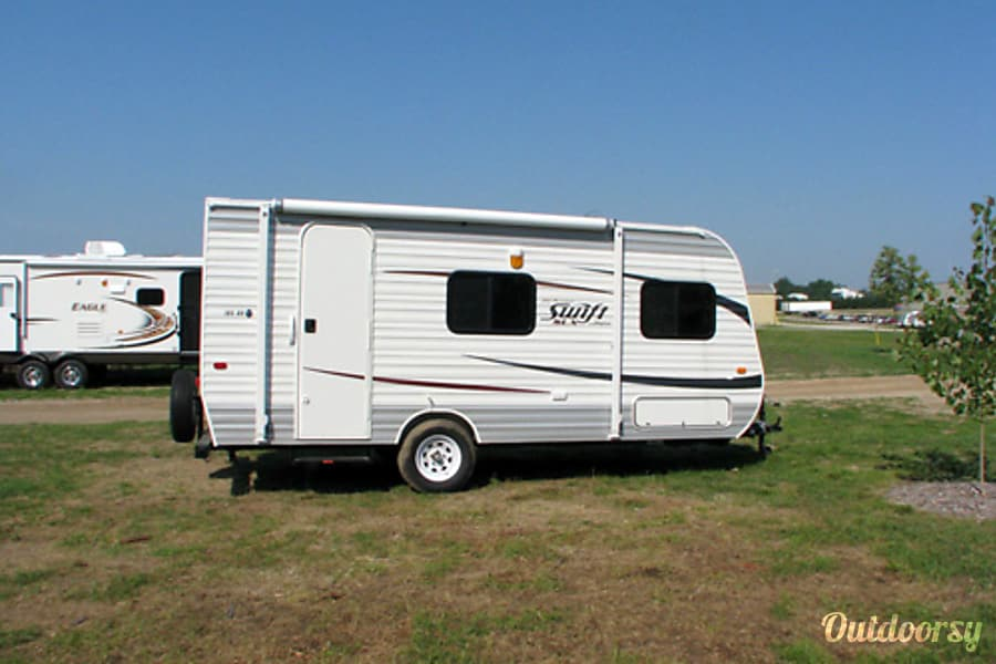 exterior Easy towing 18' with all amenities included! Tumwater, WA