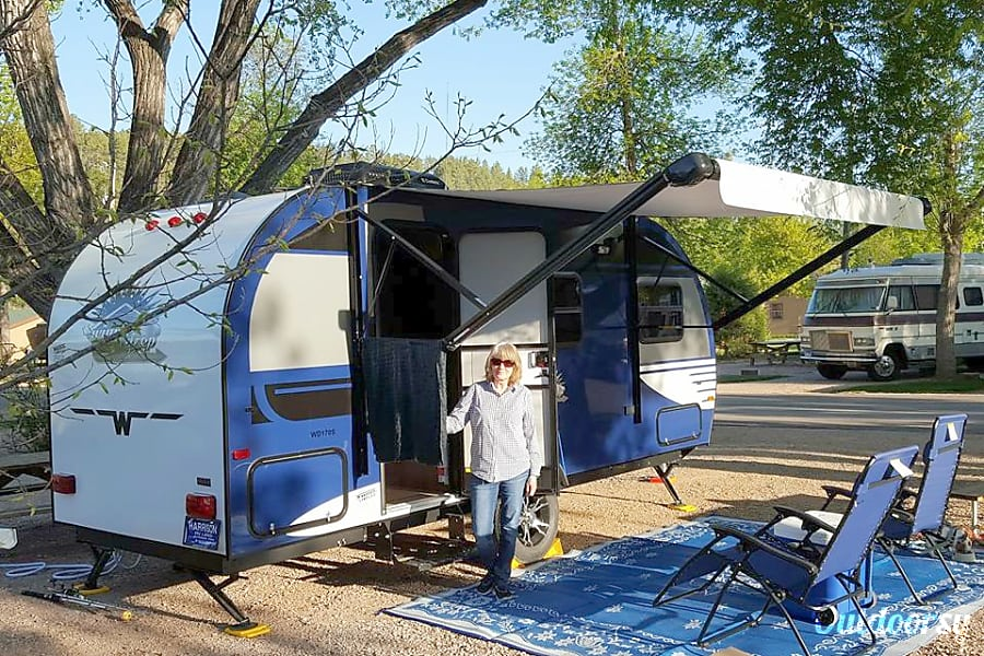 exterior 2015 Winnebago Winnie Drop Spring Branch, TX