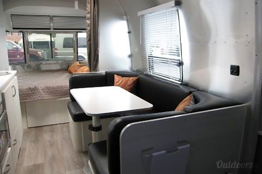 interior 2016 Airstream Sport Inver Grove Heights, MN