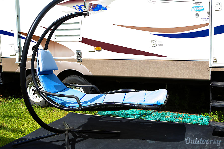 2004 Keystone Sprinter Plantersville, Texas Aside Camper Lounger for those lazy moments