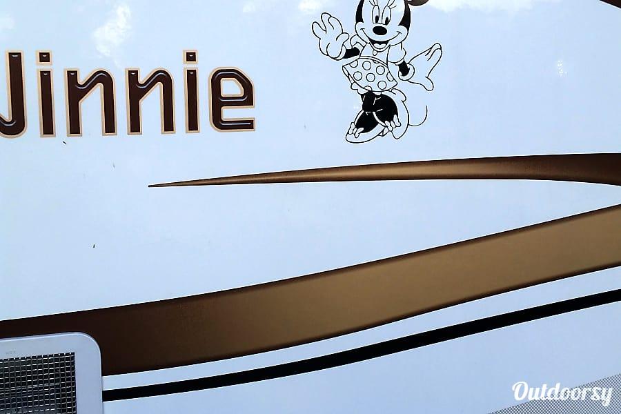 2015 Winnebago Minnie Winnie Montclair, California