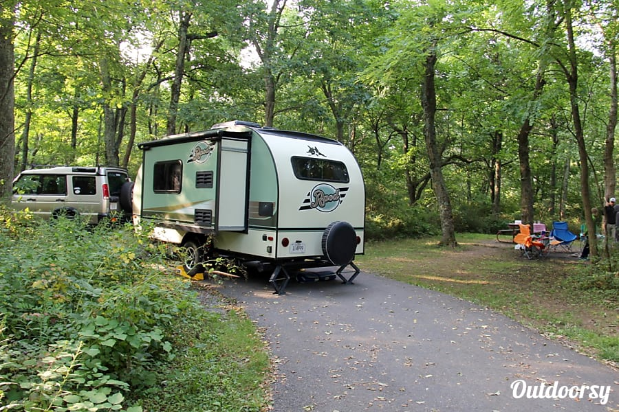 2015 Forest River R-Pod near Shenandoah National Park, VA Elkton, VA