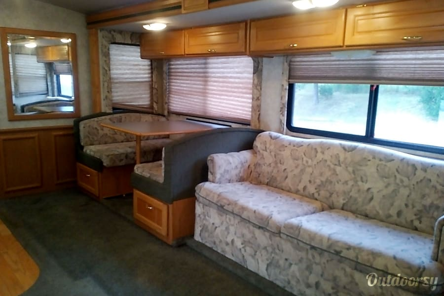 Spacious, Clean and Comfortable Class A Sleeps 6-8 Angels Camp, CA