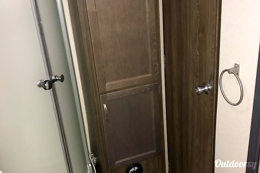 2018 Riverside Rv Rpm Denver, Indiana Full bathroom with shower