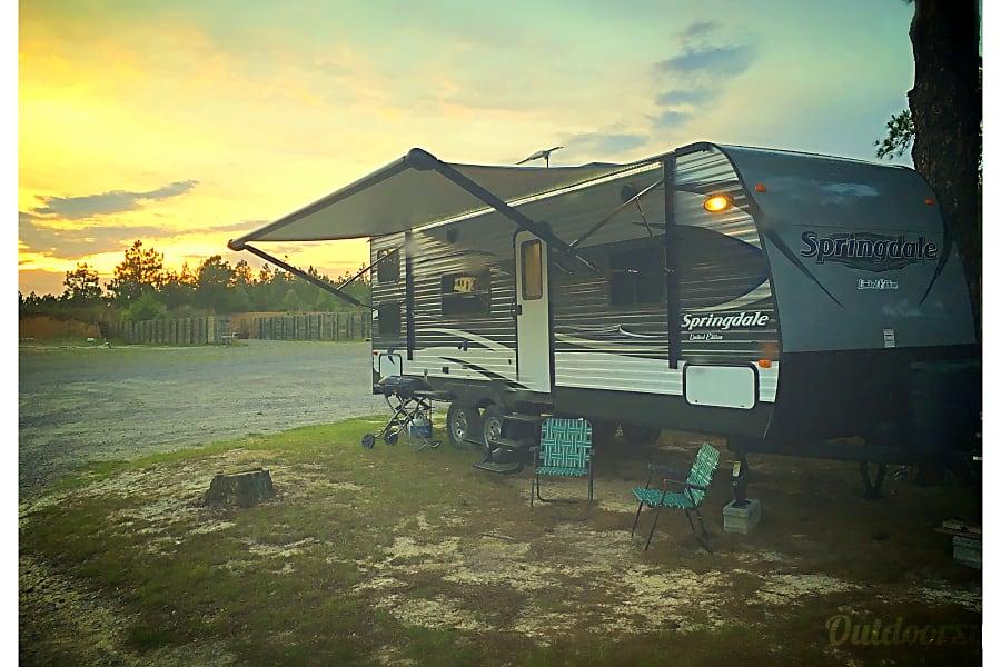 exterior 2016 Keystone Springdale Hope Mills, NC
