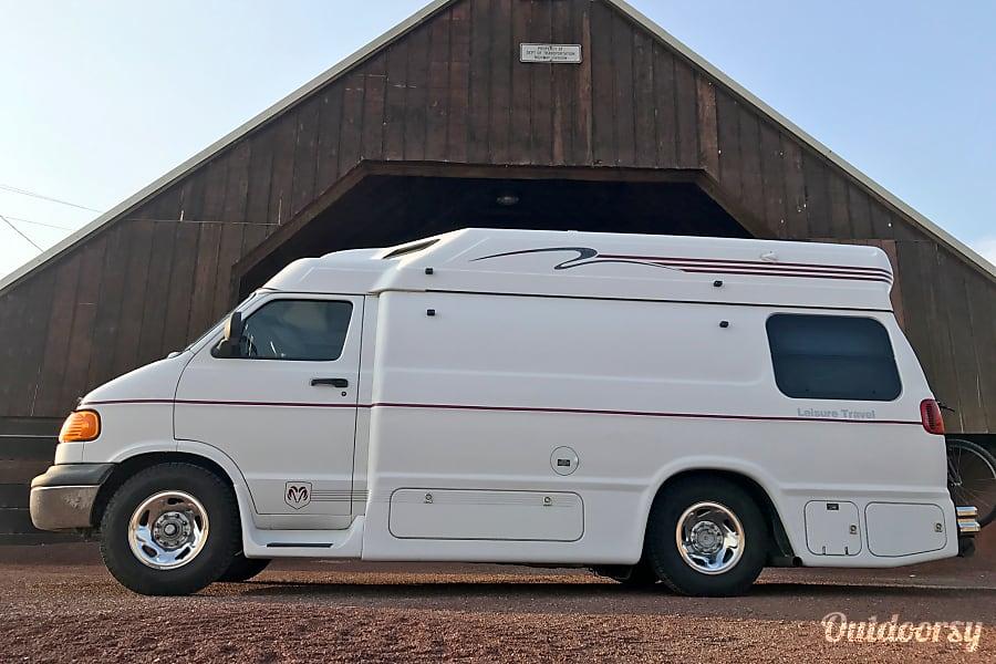 Leisure Travel Vans For Rent >> 2000 Leisure Travel Vans Freedom 2b Widebody Motor Home Class B