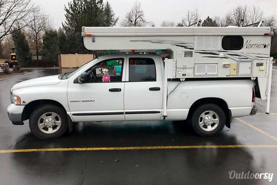 "Truck Camper ""Sierra"" Fully Loaded, Unlimited miles+Solar! Sheridan, OR"