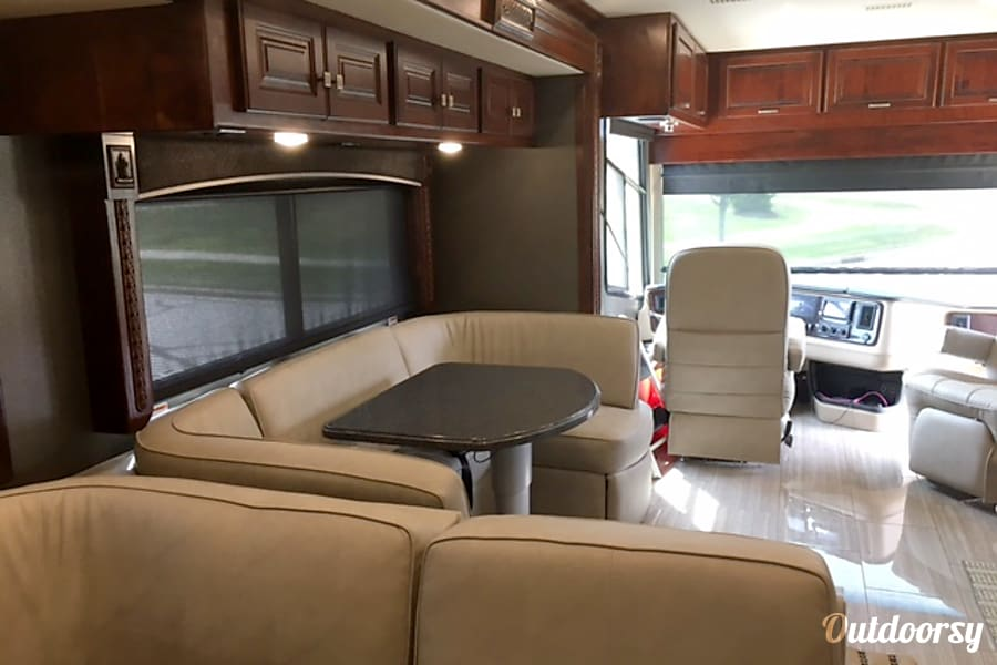2017 Holiday Rambler Endeavor SE Solon, Ohio U Shape Dinette that converts to a bed